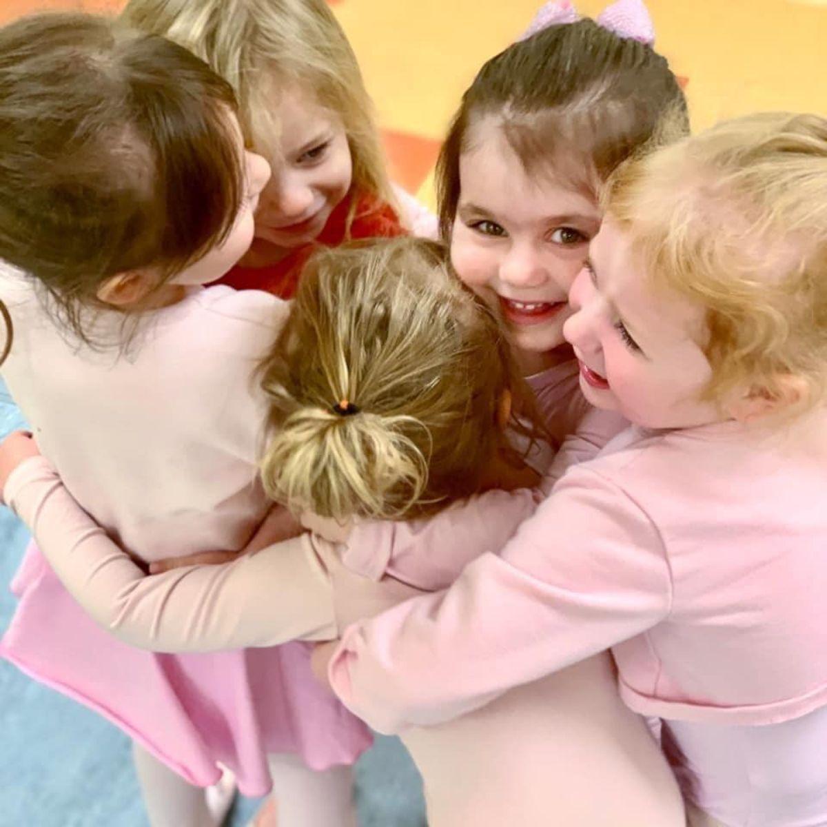 Kids dancing classes